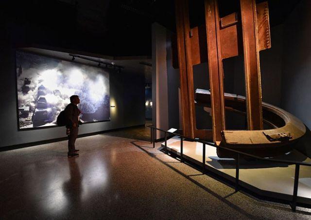 Фотоэкскурсия по Музею 9/11 в Нью-Йорке (37 фото)