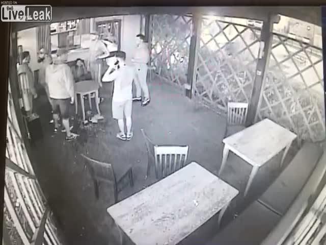 Разборки в английском баре
