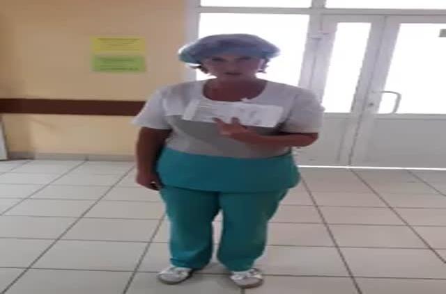 Медсестра высказалась по поводу своей зарплаты (4 фото + видео)