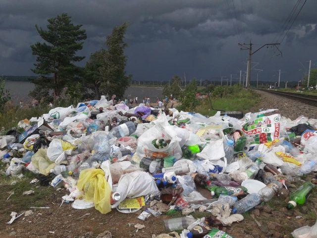 Кавголовское озеро в летний сезон и до него (5 фото)