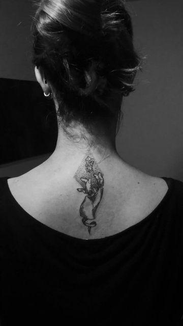 Татуировки в минималистичном стиле (30 фото)