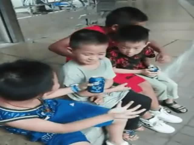 Подрастающий маг удивляется своих друзей