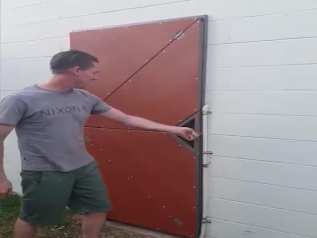 Крутая дверь, которая открывается не так, как другие
