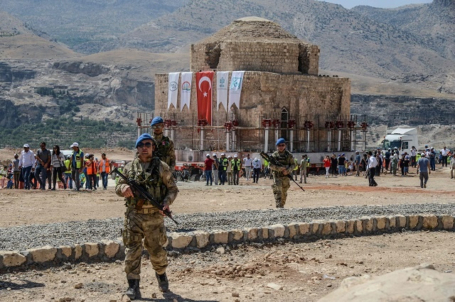 Спасение от затопления хамама Артуклу XIII века в Турции (7 фото)