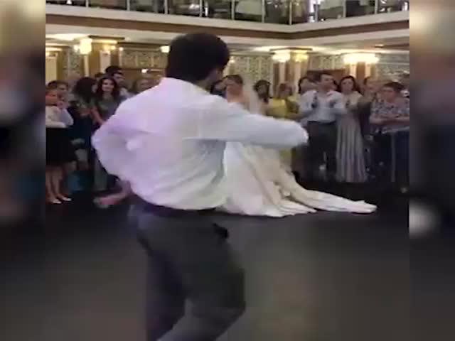 Человек-паук хотел похитить сердце невесты