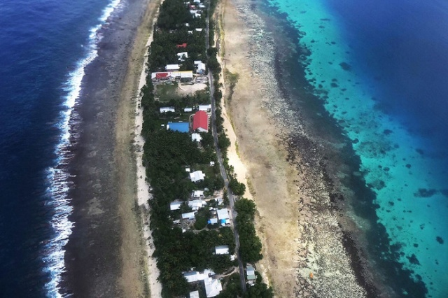 Жизнь посреди Тихого океана (9 фото)