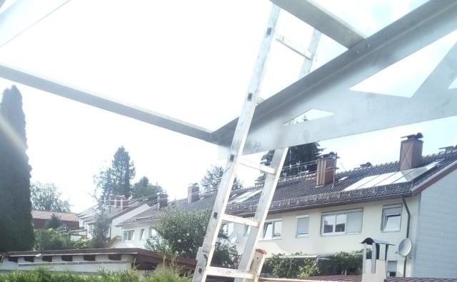 Неудача при сборке каркаса для стеклянного навеса (2 фото)