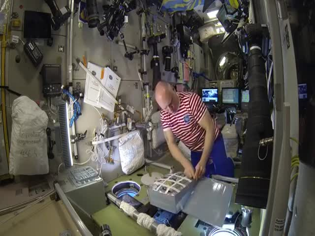 Продукты, которыми меняются на МКС русские и американские космонавты