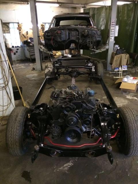 Восстановление разбитого Ford Thunderbird 1967 года выпуска (18 фото)