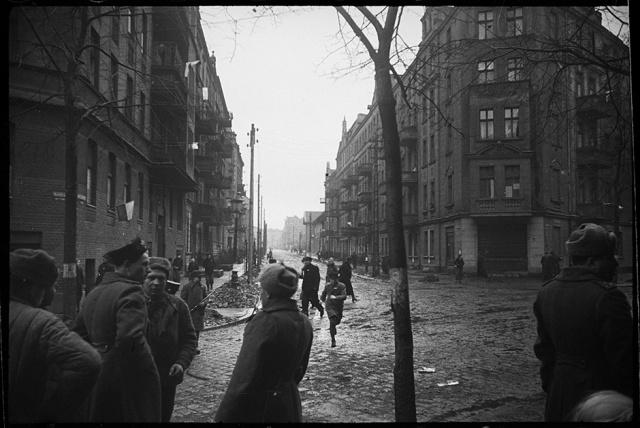 Архивные снимки Второй мировой войны, сделанные советским фотокорреспондентом (28 фото)