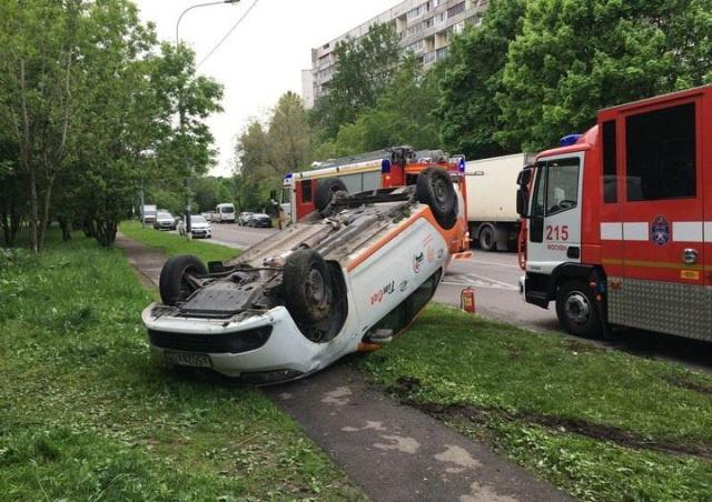 Печальная участь каршеринговых авто Москвы (17 фото)
