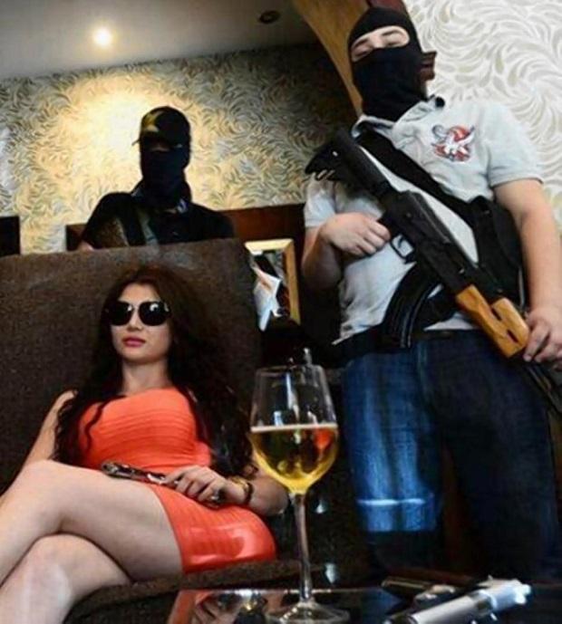 Клаудиа Феликс - самый привлекательный мафиози в мире (18 фото)
