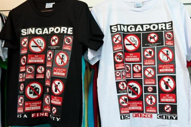 Турист из США получил необычный штраф в Сингапуре (2 фото)