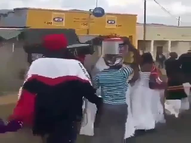 Портативная колонка по-нигерийски