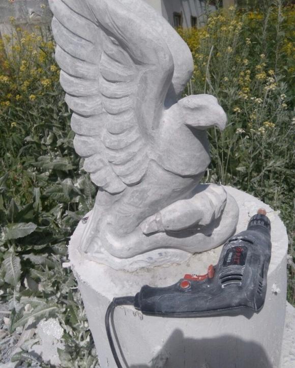 Basit Bir Taştan Heykele Dönüşüm (5 Fotoğraf)