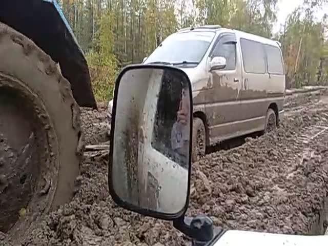 """Участок федеральной дороги """"Колыма"""", который невозможно преодолеть без трактора"""