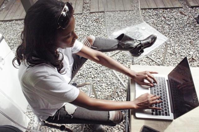 Бывшая модель Victoria's Seсret Линдси Скотт серьезно увлекается программированием (7 фото)