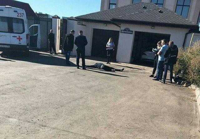 Грабители напали на дом коммерсанта Евгения Деданина и получили смертельные ранения (4 фото)