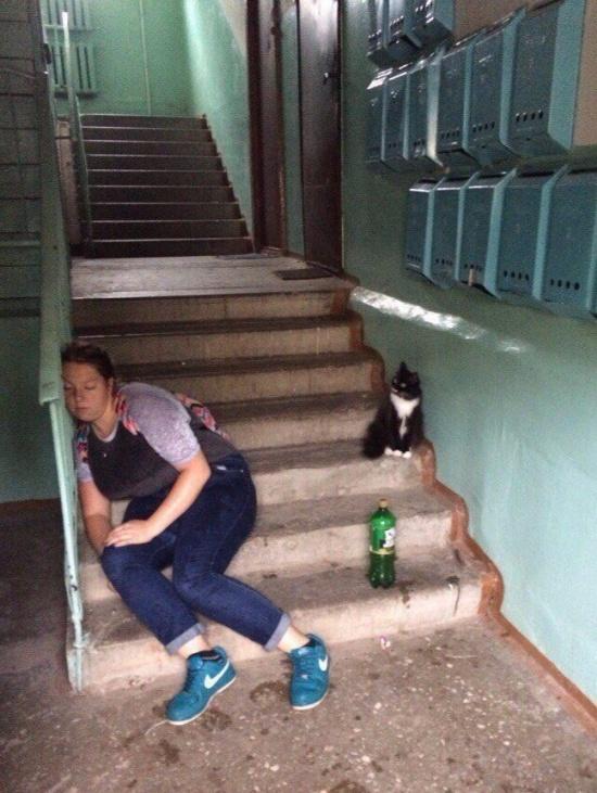 """Подъездные тусовки"" молодежи (15 фото)"