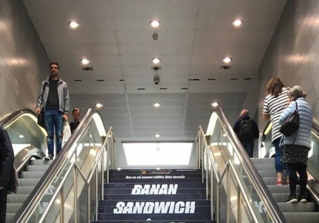 Странная реклама в метро Копенгагена удивила пользователей сети (фото)