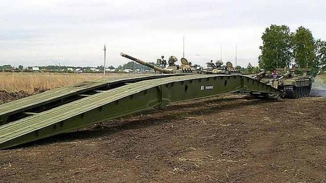 Необычная военная машина, выполняющая важную функцию (5 фото)