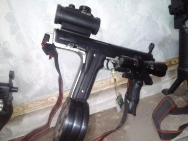 Тактическая штурмовая винтовка на базе пистолета Glock (3 фото + видео)