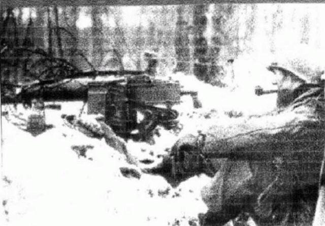 Фотографии с фотоаппарата, который пролежал под землей 74 года (6 фото)