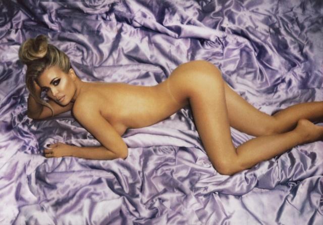 Кармен Электра опубликовала в сети свои обнаженные фотографии (15 фото)