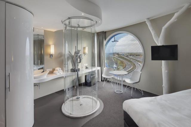 Необычный номер в отеле в Амстердаме (6 фото)