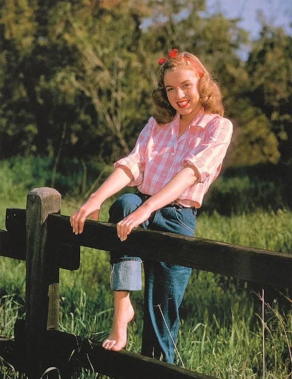 Архивные фотографии 19-летней Мэрилин Монро (13 фото)