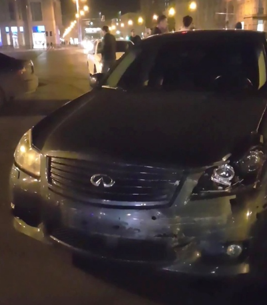 Дрифтер на Infiniti протаранил автомобиль ДПС в Новосибирске (2 фото + видео)