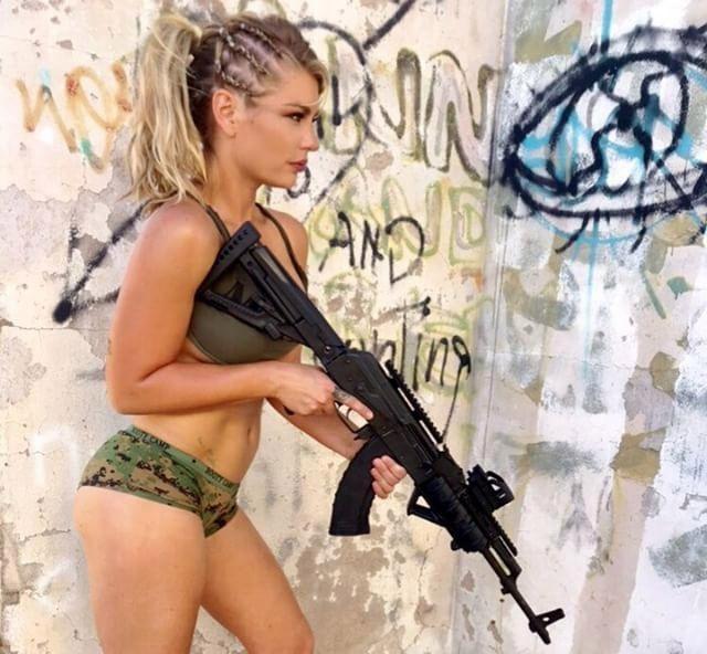 Шеннон Ирке - бывший морской пехотинец Армии США (10 фото)