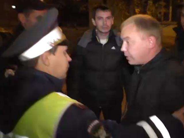 Случайный прохожий решил помочь в задержании пьяного водителя фуры