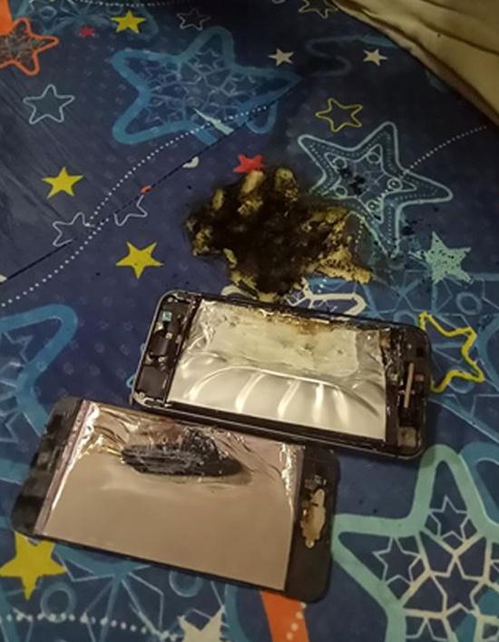 Девушка чуть не сгорела в своей постели из-за воспламенившегося смартфона (2 фото)