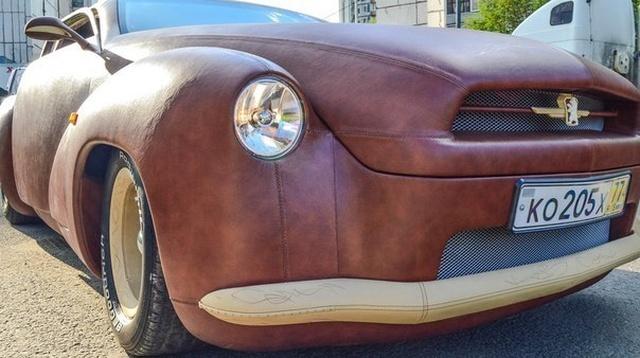 Эксклюзивный кожаный автомобиль с салоном из меха выставлен на продажу (10 фото)