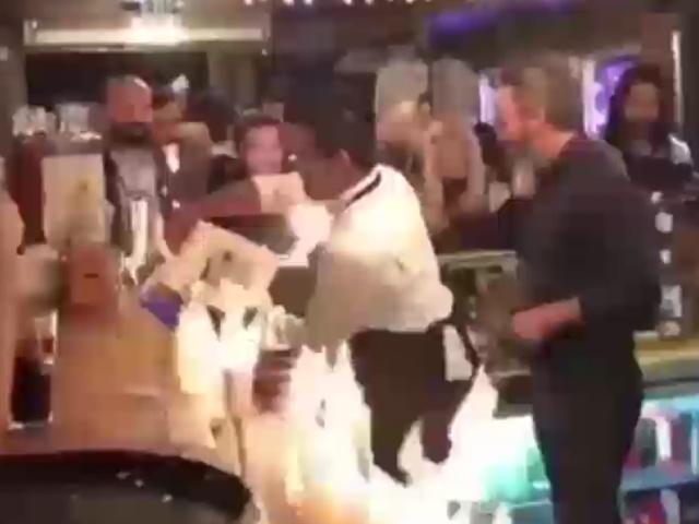 Турецкий бармен по случайности поджег туристов в баре