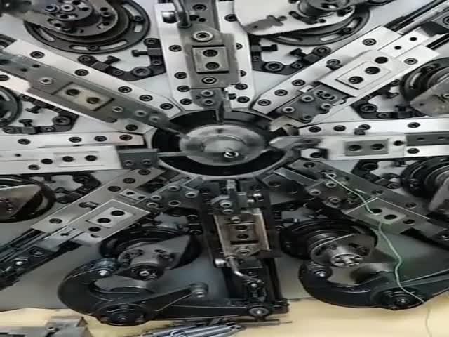 Залипательное видео: производство пружин