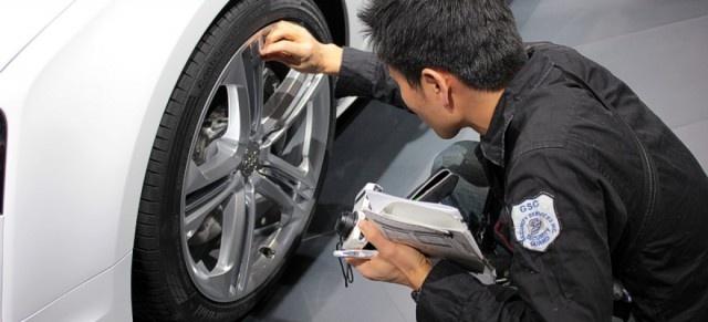 Почему китайцев не следует пускать на автовыставки (4 фото)