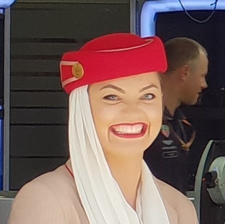 """Стюардесса с """"ангельской улыбкой"""" (5 фото)"""