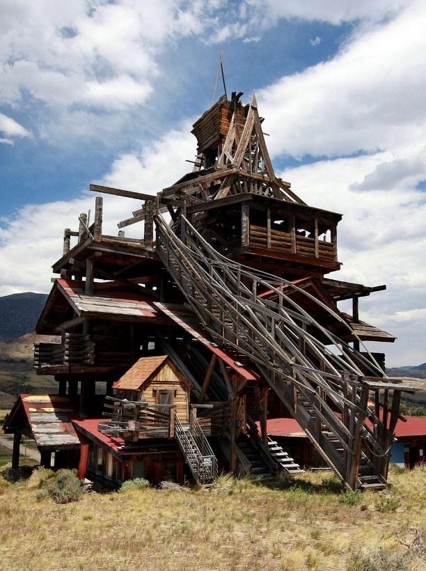 Странный дом Смита, который убил своего создателя (14 фото)