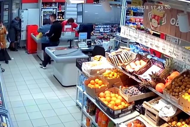 Парень устроил дебош в магазине, но теперь его покрывает местная полиция (фото + видео)