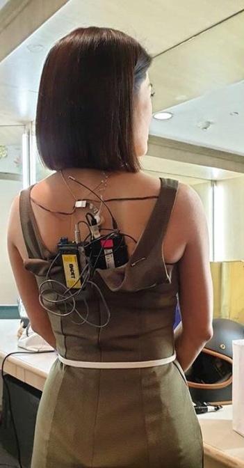 Кого напоминает репортер, если смотреть на него со спины (2 фото)