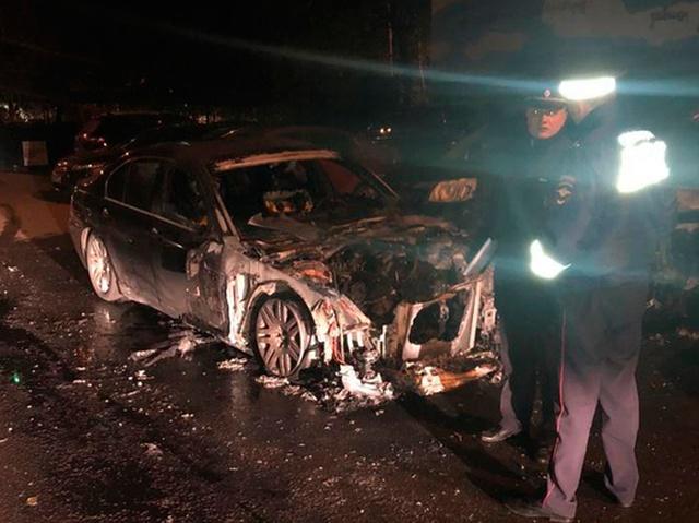 Злоумышленники подожгли BMW московского депутата (2 фото + видео)