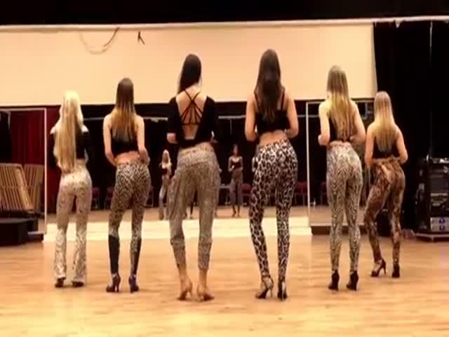На танцующих девушек можно смотреть вечно