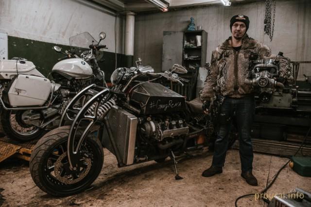 Житель Уфы построил мотоцикл с V8 мотором от автомобиля Lexus (7 фото)