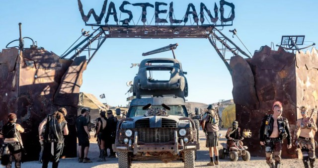 "Wasteland Weekend - фестиваль для фанатов ""Безумного Макса"" (29 фото)"