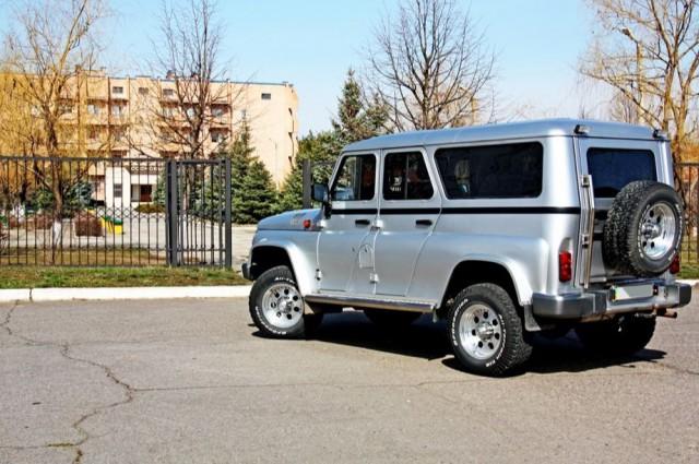 """УАЗ-3153 с японской """"начинкой"""" (7 фото)"""