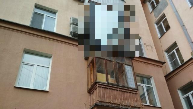 Дарт Вейдер поселился в Екатеринбурге? (3 фото)