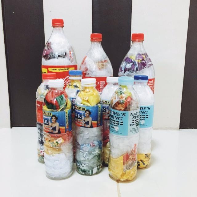 Необычный метод борьбы с пластиковыми отходами (13 фото)