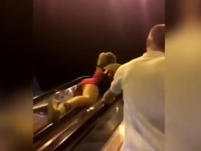 Хотела прокатиться на эскалаторе, но всё пошло не так